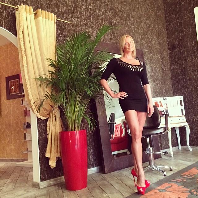 Анастасия Волочкова фигура ноги в мини