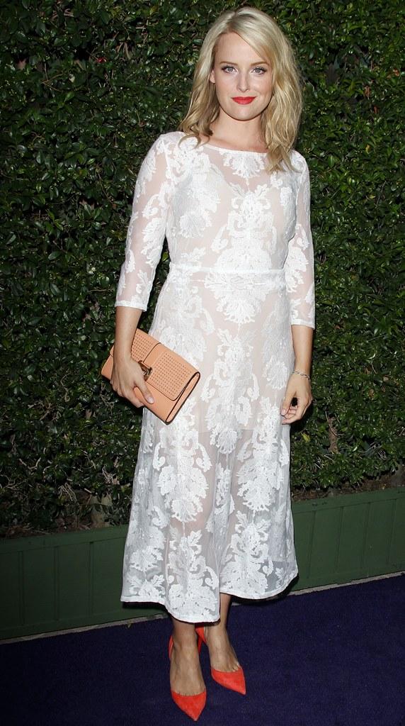 белое платье из кружева 2015