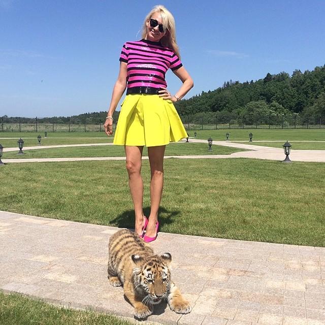 Яна Рудковская фото ноги обораз
