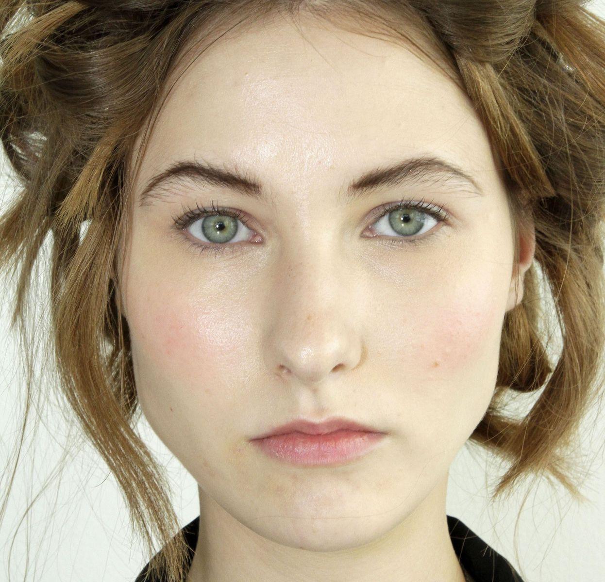 красивые женские лица без макияжа фото знать