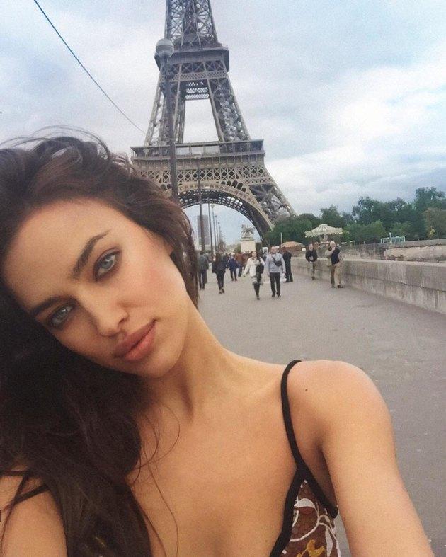 Ирина Шейк и Брэдли Купер обручились в Париже - Фото