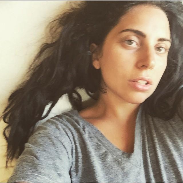 Леди Гага без макияжа и фотошопа